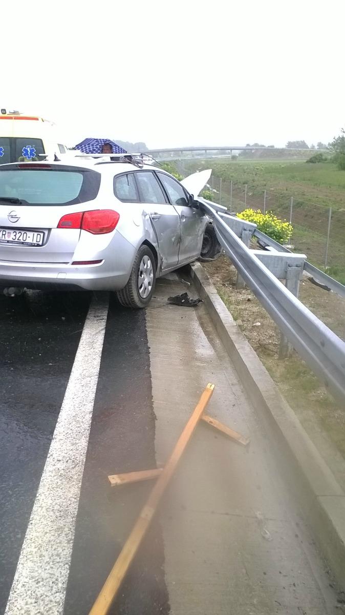 27.04.2016. - Prometna nezgoda tri automobila D-640 Oroslavje